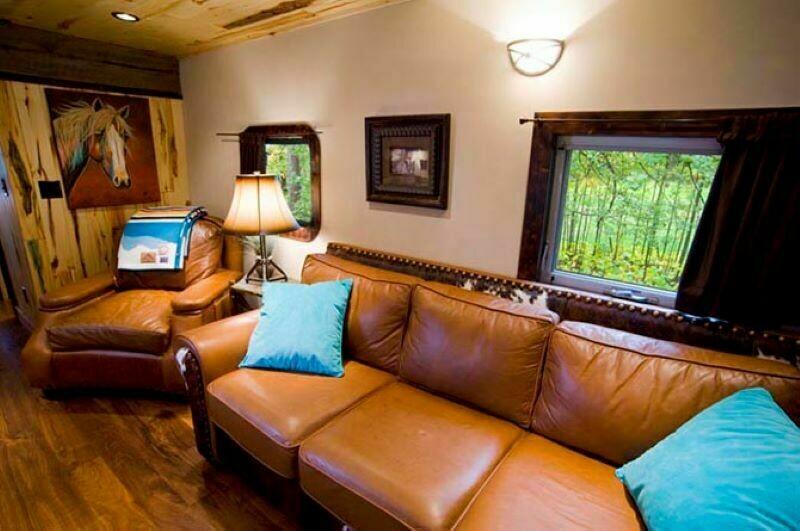 Коттедж-гостиница из поезда