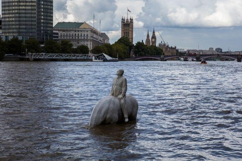 Скульптуры на Темзе