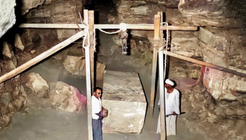 Саркофаг Египта