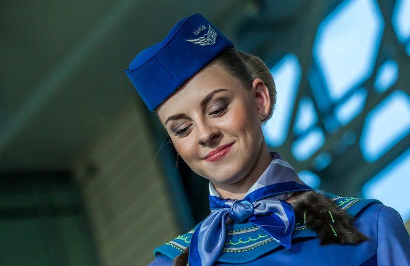 Платок на шее стюардессы