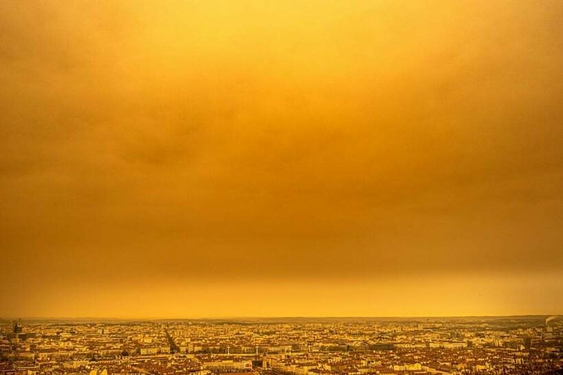Оранжевый пейзаж