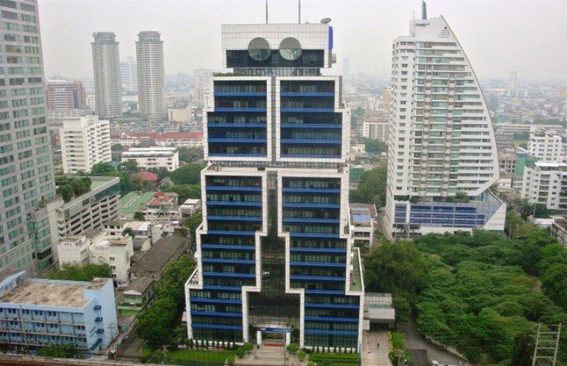 Небоскреб-робот в Бангкоке