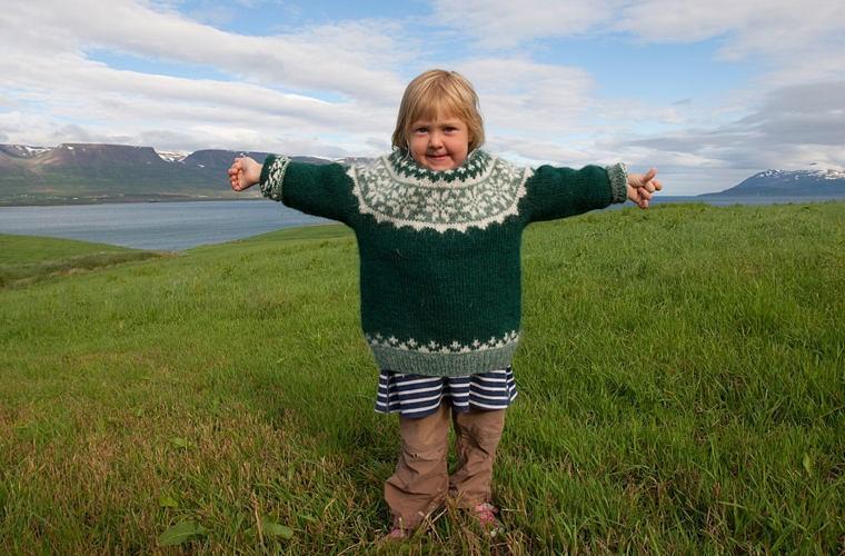 Ребенок в Исландии
