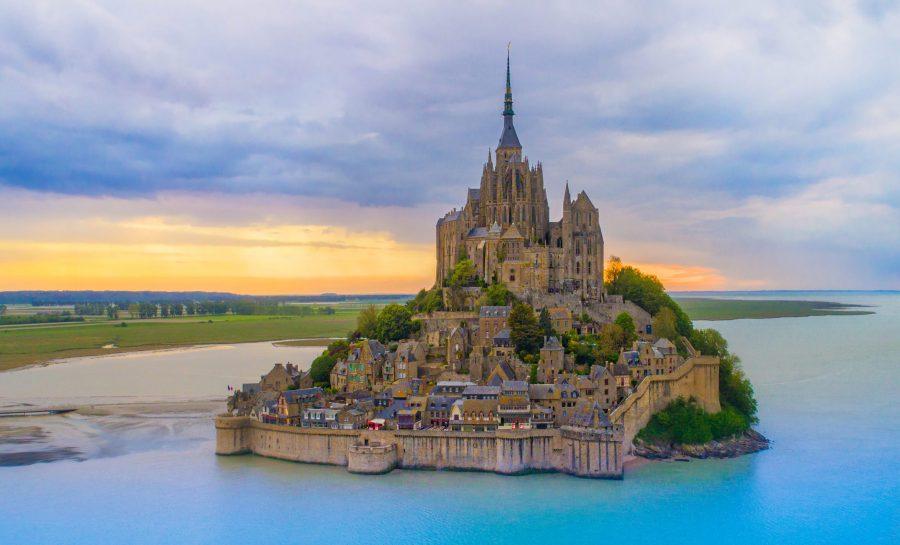 Замок на острове Мон-Сен-Мишель