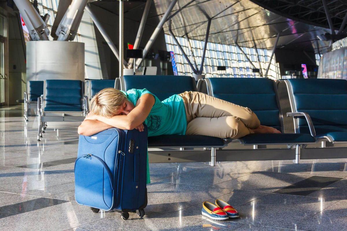 Спать в аэропорту