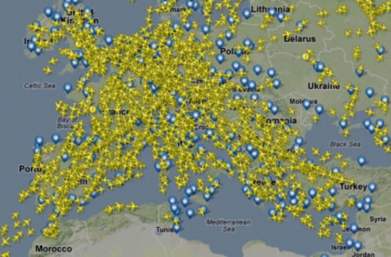 Тысячи самолетов в небе
