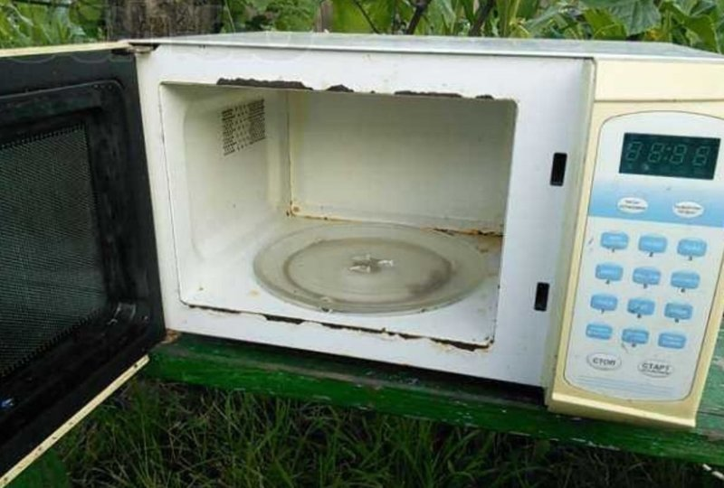Нерабочая микроволновая печь