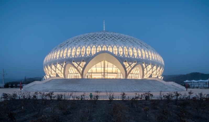 Театр с резным куполом