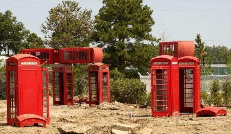 Стоунхендж из телефонных будок