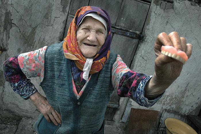 Проблемы с зубами у пенсионерок