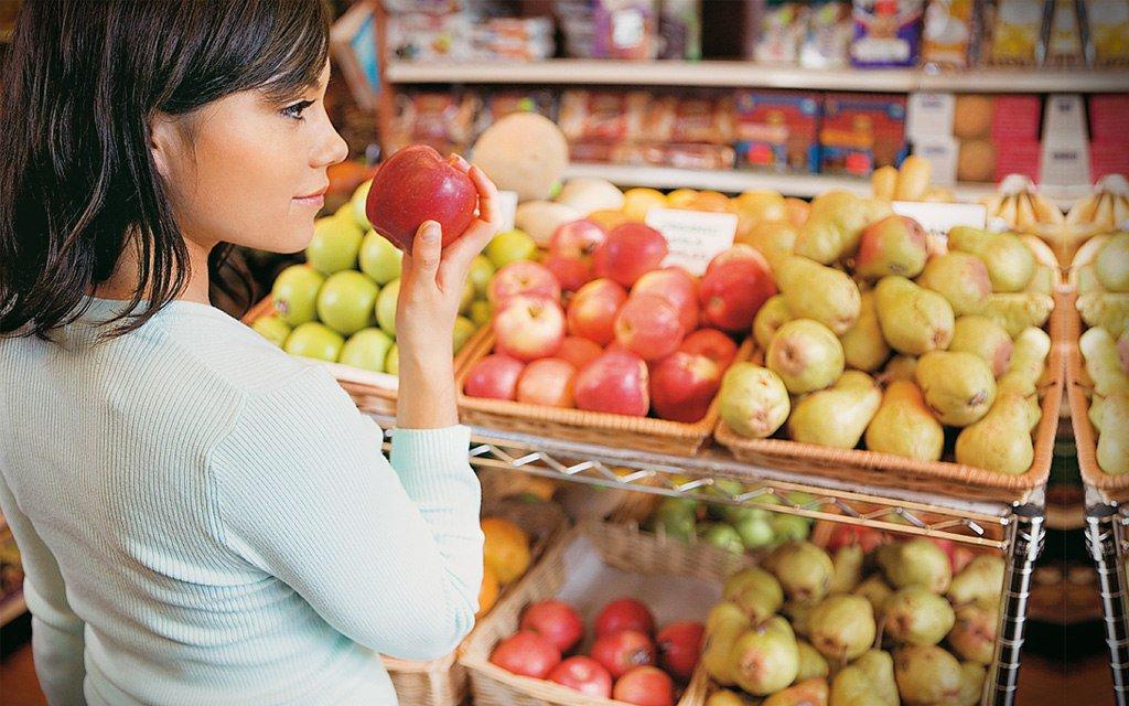 Трогать продукты