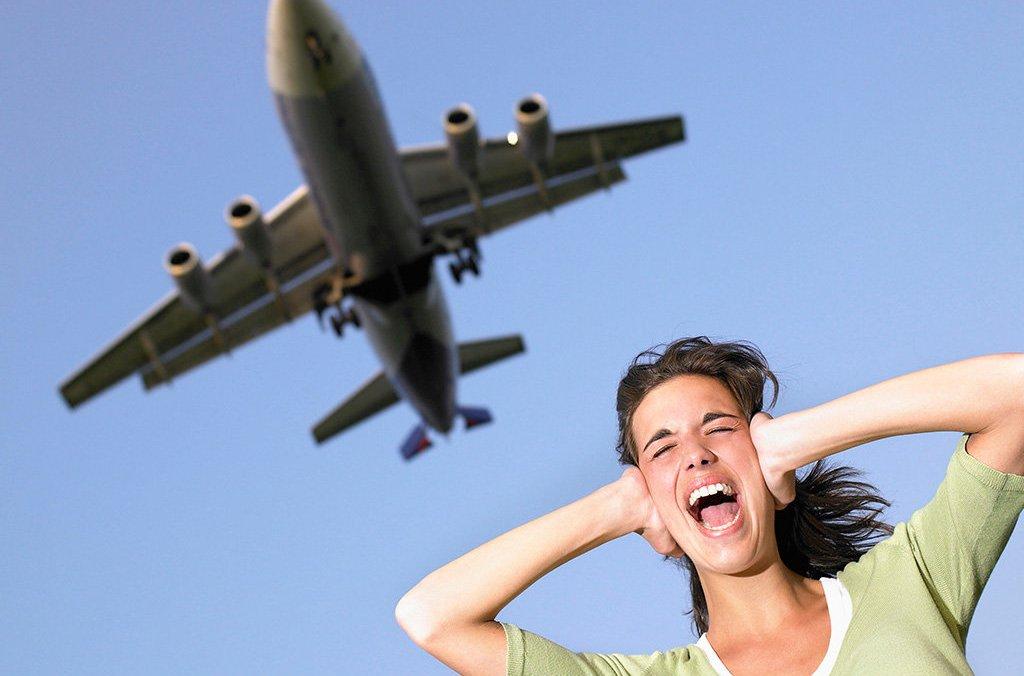 Шум самолета
