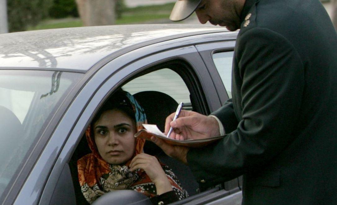 Женщина за рулем в Туркменистане