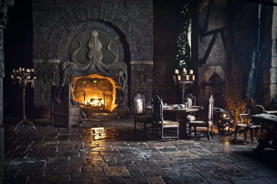 Камин в замке