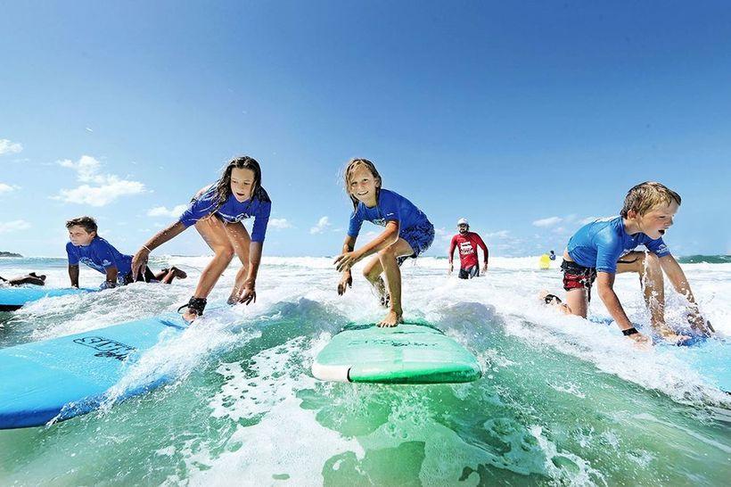 Серфинг урок в школе в Австралии