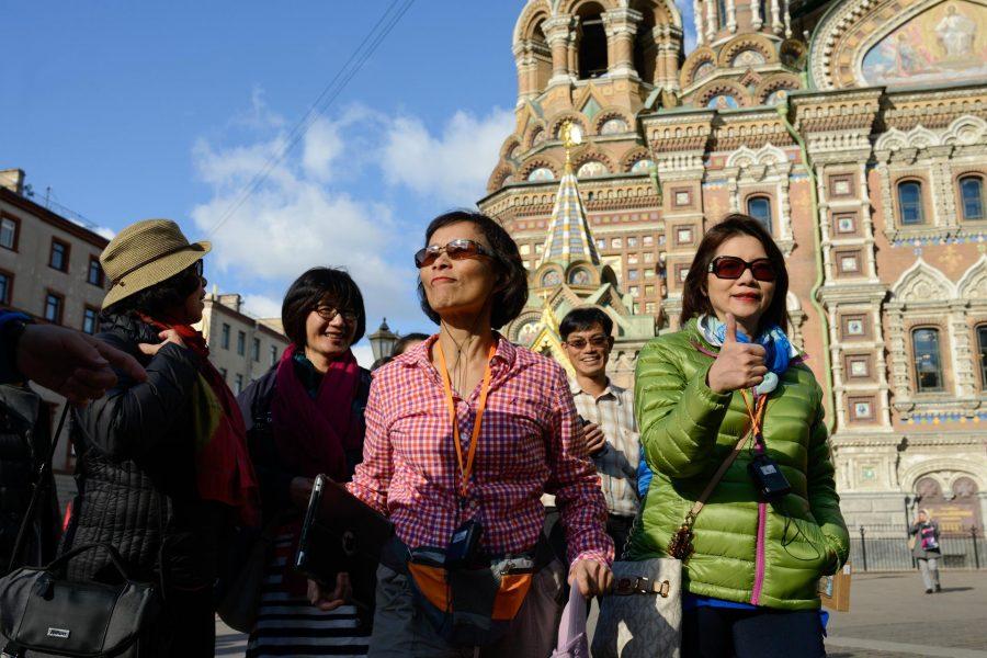 Иностранцы в Санкт-Петербурге