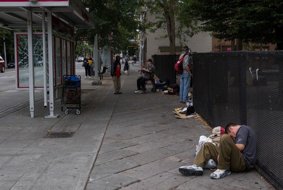 Отдых от бомжа Майка Момэни из Сиэтла
